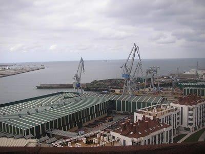 puerto el musel asturias