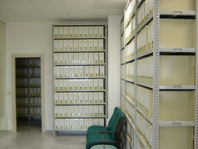 ejemplo estantería metálica archivo