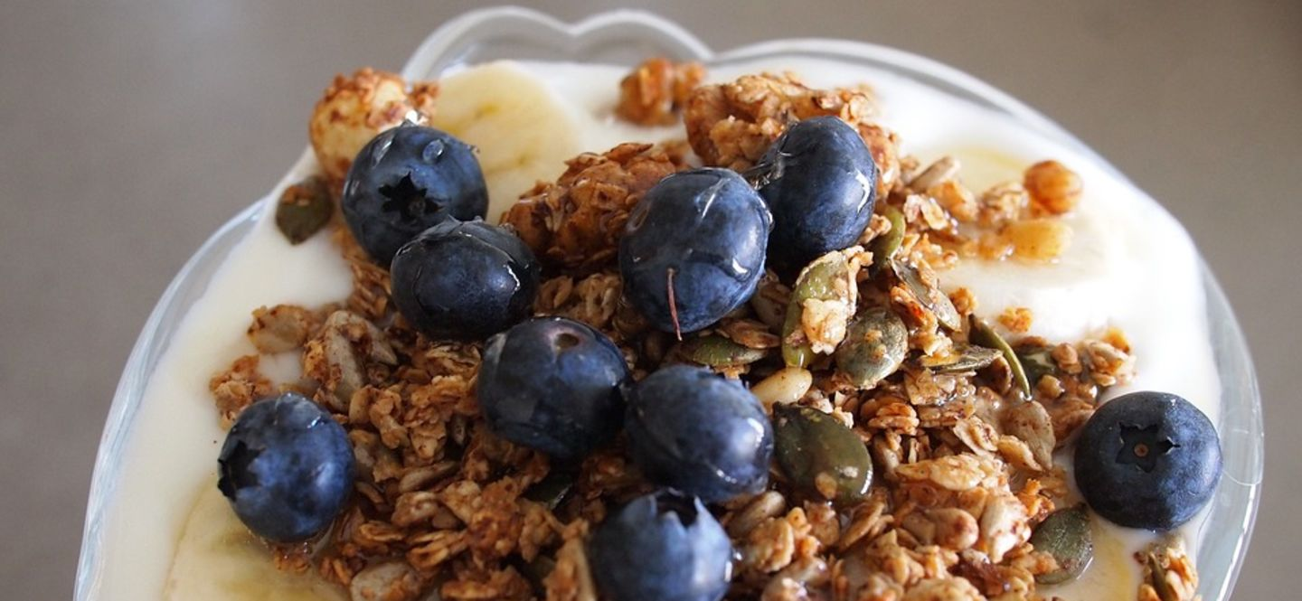 15 Snacks to Satisfy Your Sweet Tooth AND Keep You Lean