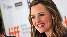 Jennifer Garner Shares Her Healthy Snack Substitutes