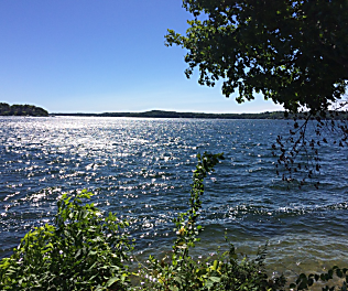 You Must Visit Lake Geneva and Walk On the Lake Path