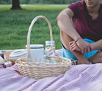 Five Ways to Create the Perfect Picnic Date