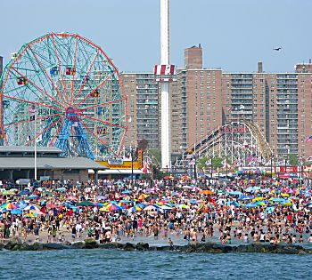 A Brief History of Coney Island, And Why You Should Totally Go