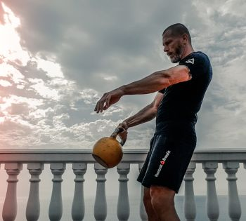 6 Full Body Kettlebell Workouts