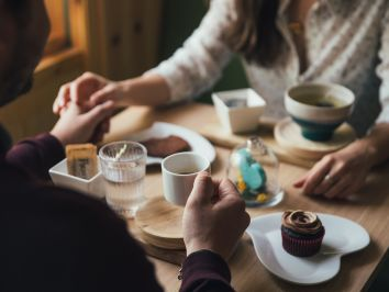 A first date can be tricky – How to make a great first impression and have a good time