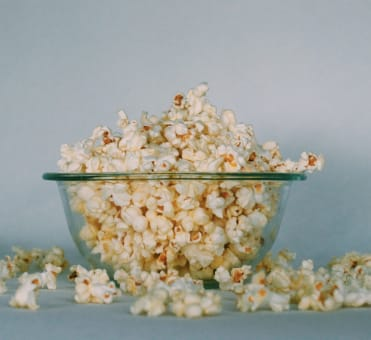 5 Incredibly Yummy Movie Date Snack Ideas