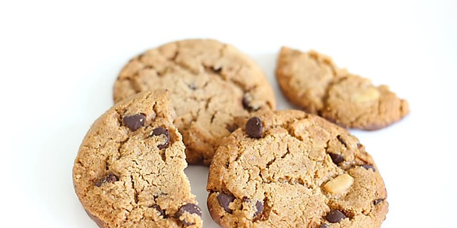 How to make some no-bake cookies that look and taste like a traditional cookie