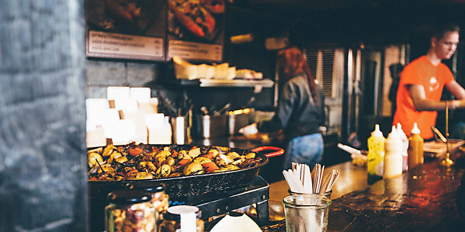 Are Restaurants Biased Towards Beautiful People?