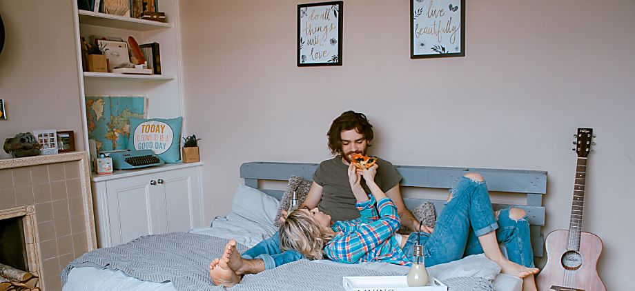 Careful Cuddles:Ways to Convey Your Cuddle Limits With A Date