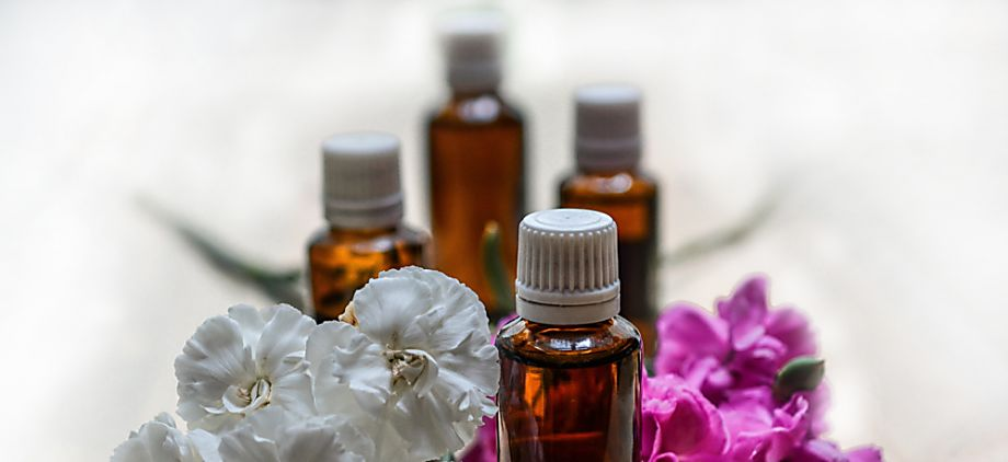 5 Dangerous Side Effects of Essential Oils
