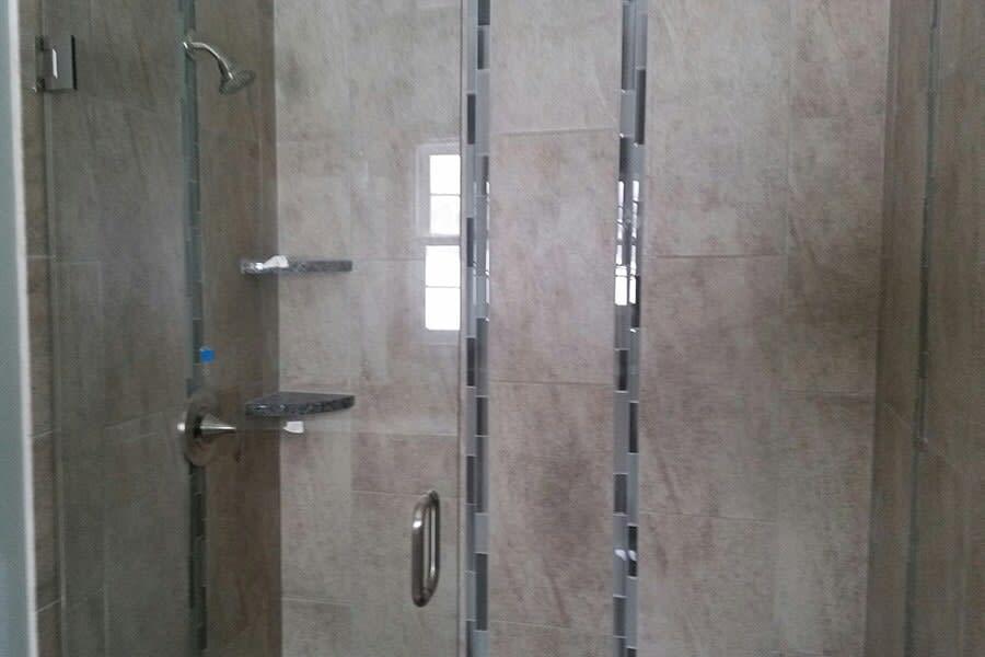 Tile bathroom in Uniontown OH from Barrington Carpet & Flooring Design