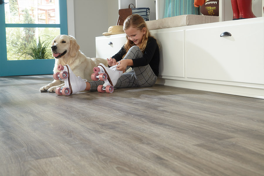 Mohawk laminate flooring in [[ cms:structured_address_city]] from New Look Floor Coverings Inc.