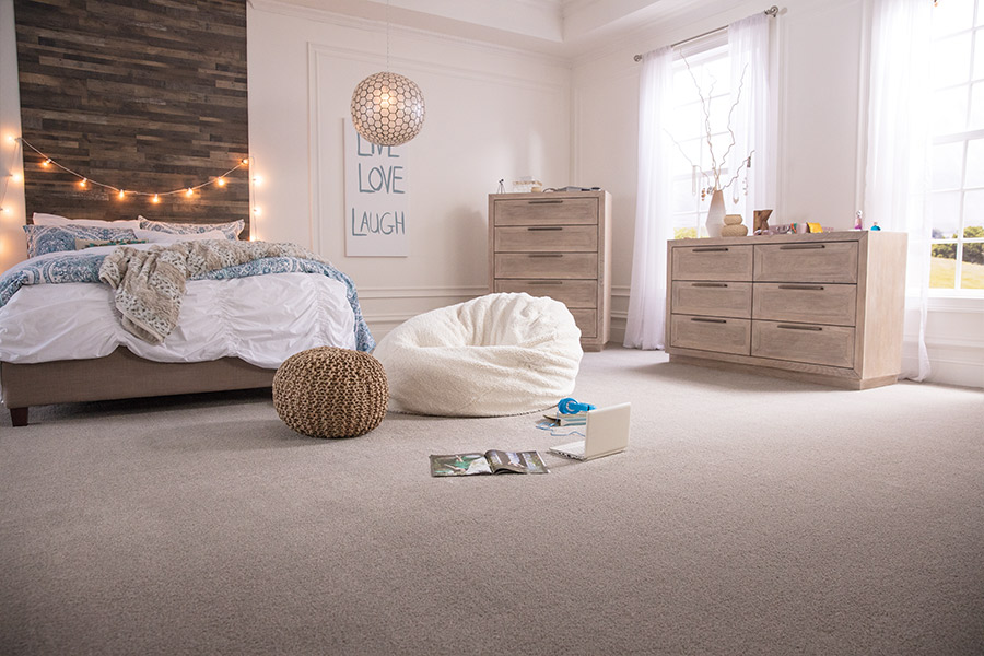 Light and bright carpet flooring in Atlanta area by Select Floors