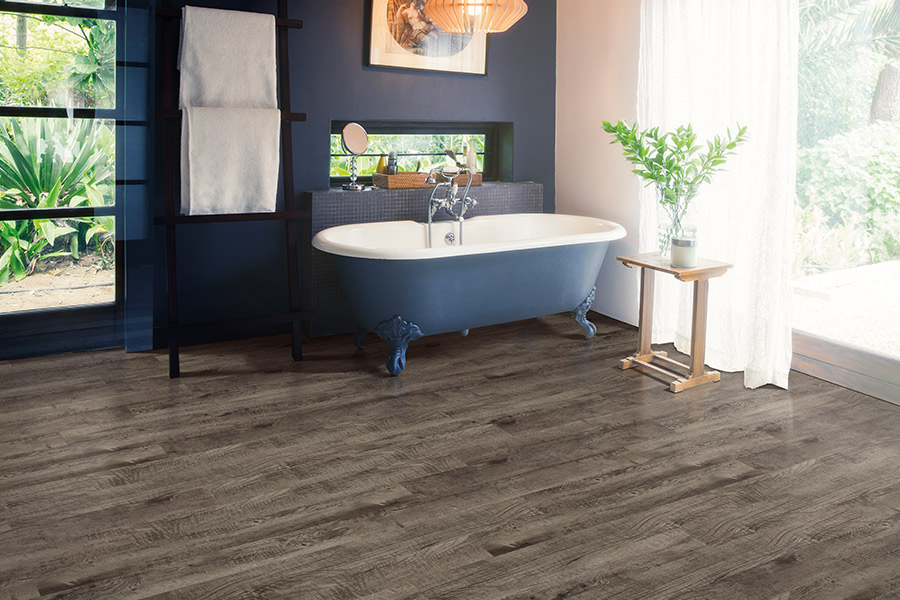 Wood look vinyl sheet flooring in Linn County, IA from EZ Floorz