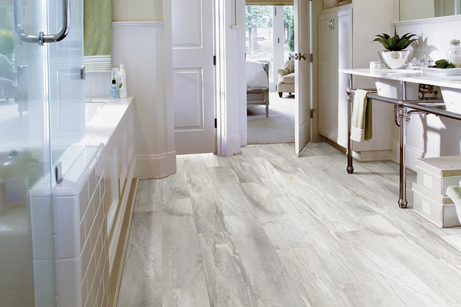 Waterproof luxury vinyl floors in Lake Arrowhead, CA from Haus of Floor Decor