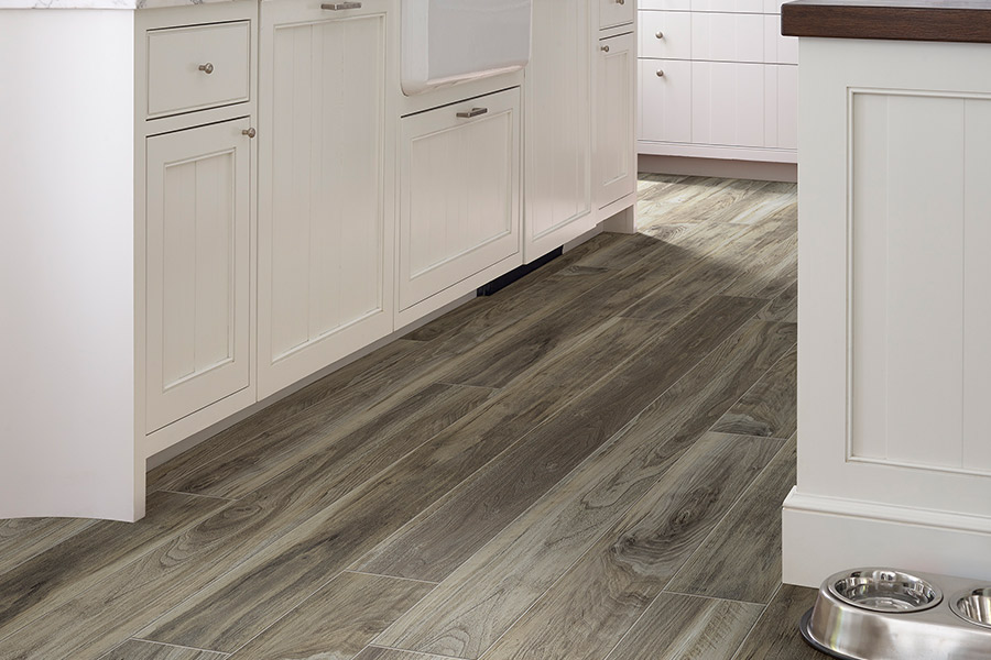 Vinyl plank flooring in Whitney, TX from H & R Carpet