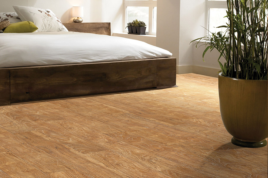 Laminate floor accents in Denton, TX from Flooring Direct