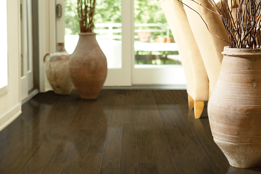 The Dallas - Ft. Worth, TX area's best laminate flooring store is Flooring Direct