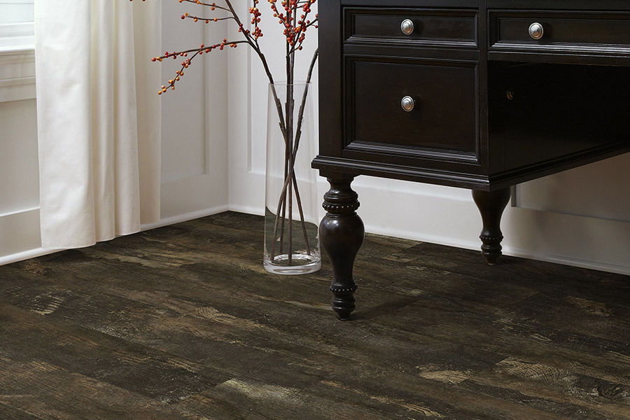 The Cathedral City, CA area's best laminate flooring store is Prestige Flooring Center