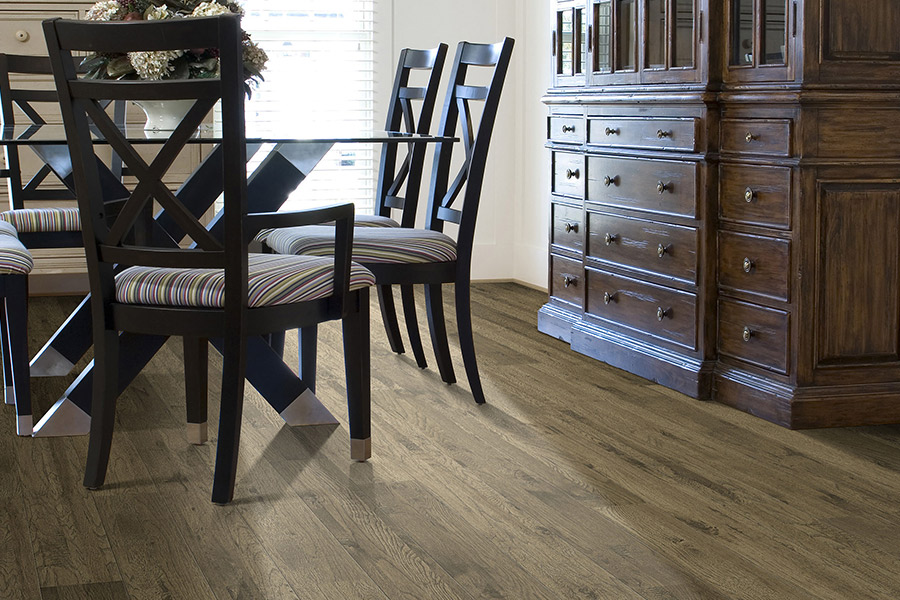 Laminate floor accents in Villa Park, CA from Anaheim Carpet and Flooring