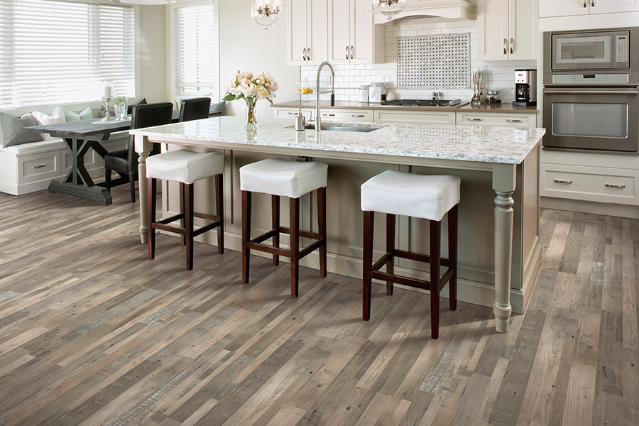 Laminate floor accents in Erie, CO from Juxtapose Flooring & Interiors