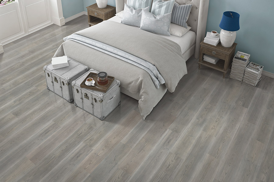 Laminate floor accents in Katy, TX from Carpet Giant