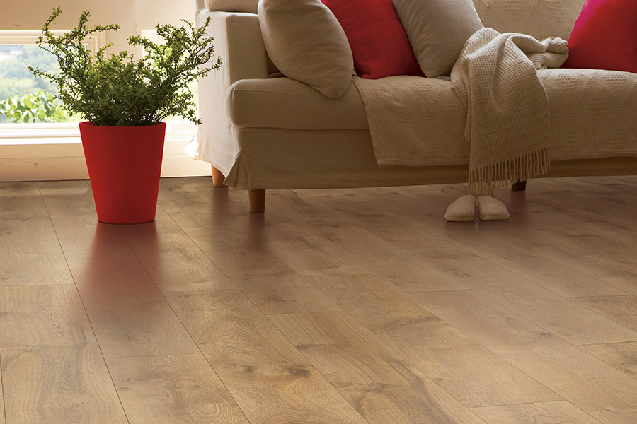 Wood look laminate flooring in