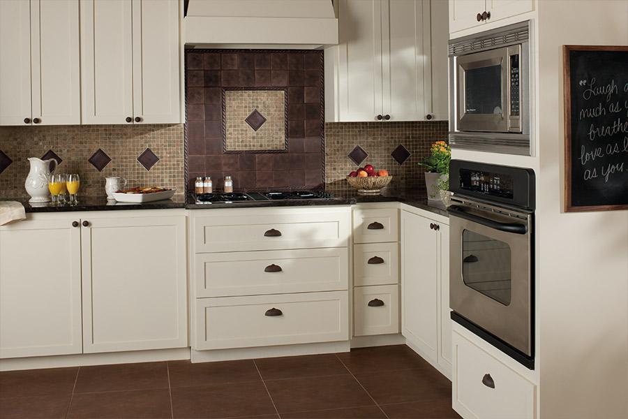 Custom tile backsplash in Howell, MI from Builders Wholesale Finishes