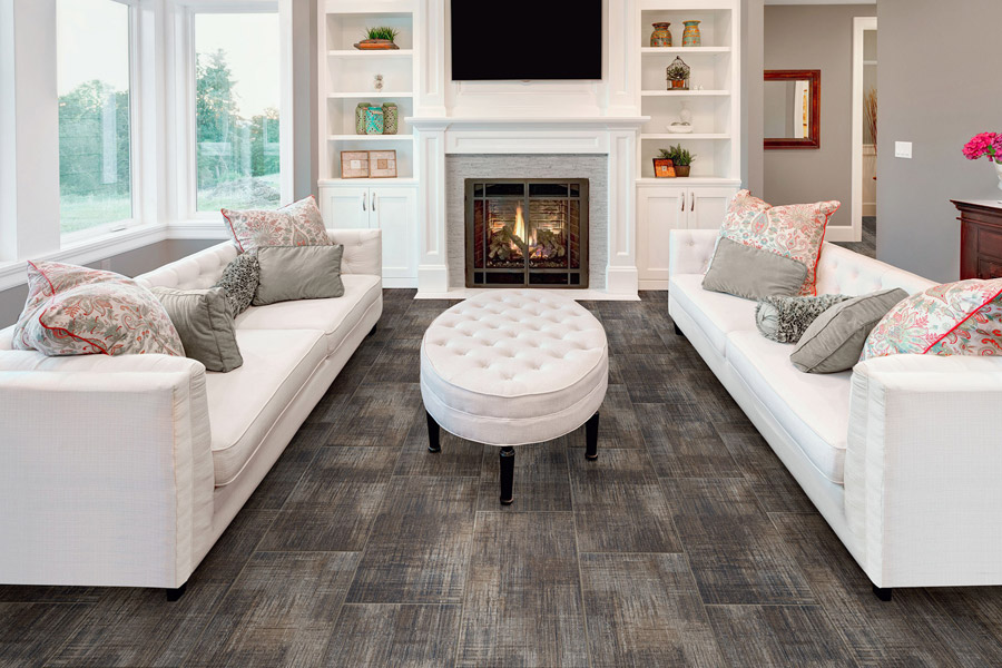 Wood look luxury vinyl plank flooring in Newport Beach CA from Avalon Wood Flooring