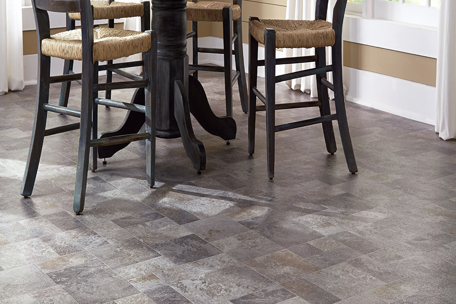 The Orlando FL area's best vinyl floors store is D'Best Floorz & More.