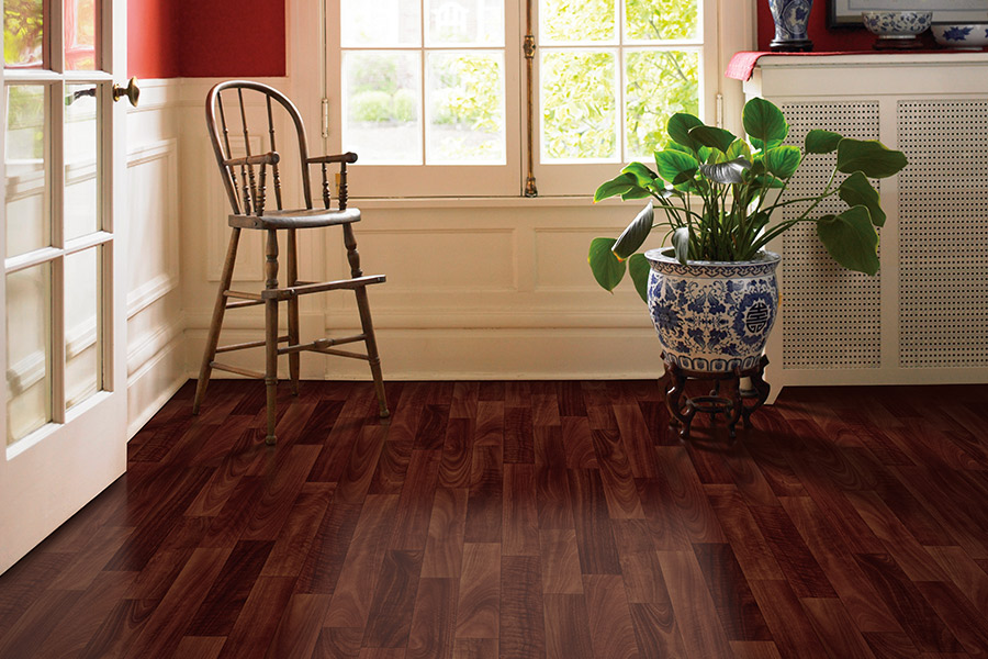 Wood look vinyl sheet flooring in Manchester, IA from Kluesner Flooring