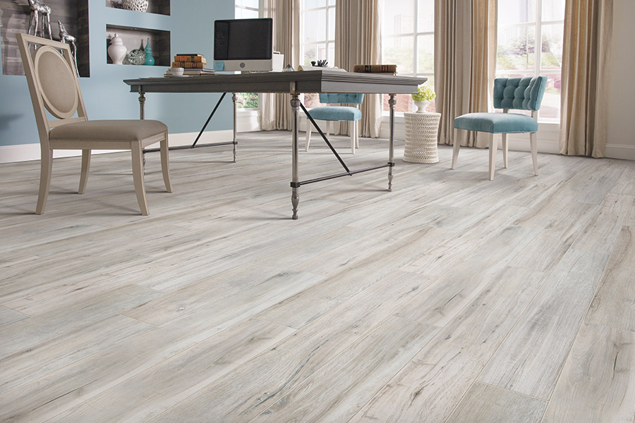 Wood look tile flooring in Kirkland, WA from Fantastic Floors