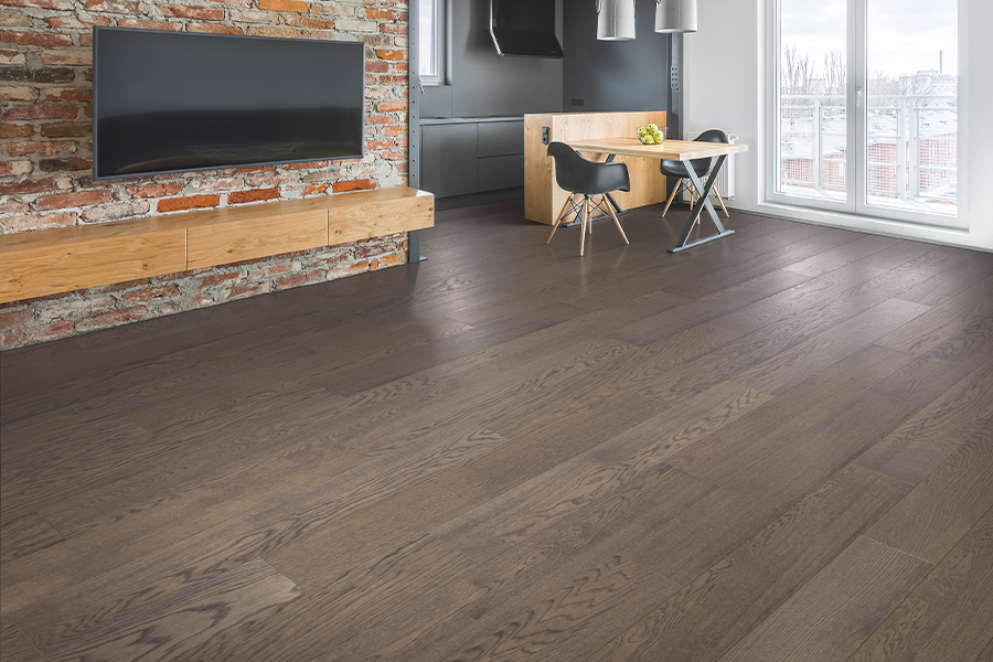 Durable wood floors in Schaumburg, IL from Universal Carpet Inc.