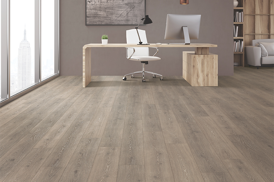 Wood look laminate flooring in Silver Spring, MD from Carpet & Floor Express