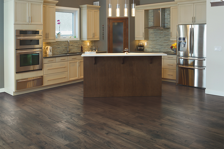 Laminate floor accents in West Chicago, IL from Universal Carpet Inc.