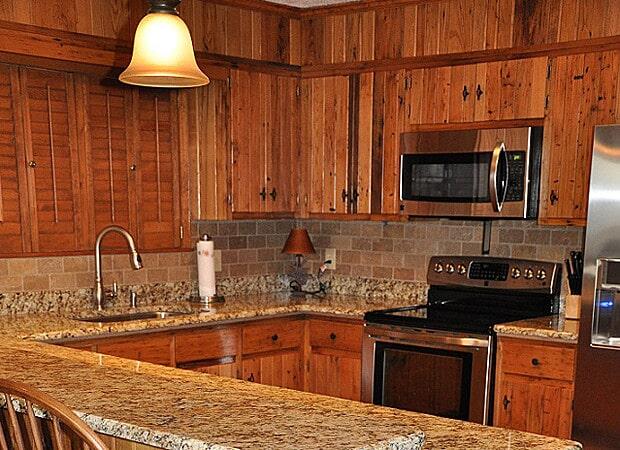 Reclaimed Hardwood in Hudson, NC from Munday Hardwoods, Inc