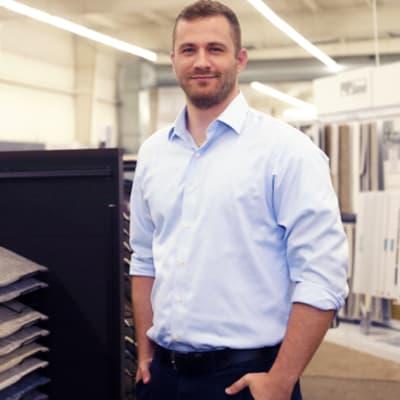 Thad Dvorak, Sales consultant