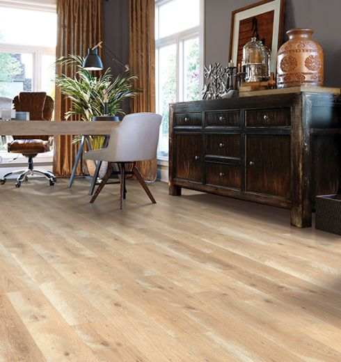 Wood look laminate flooring in Sebastian, FL from Carpet & Tile Warehouse