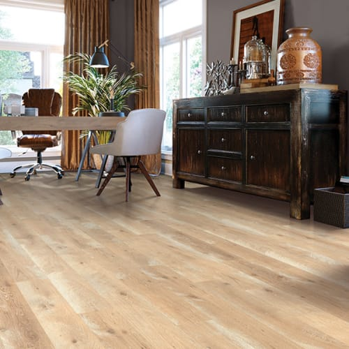 Shop for laminate flooring in Creve Coeur MO from Michael's Flooring Outlet