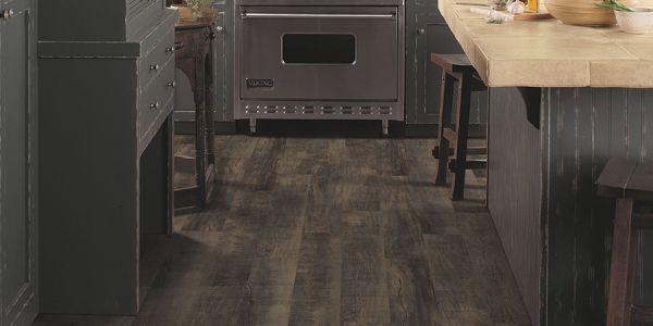 Waterproof flooring in Kissimmee, FL from D'Best Floorz & More