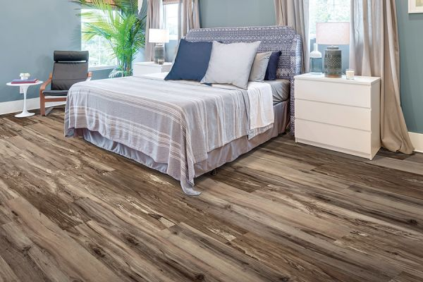 Affordable vinyl flooring in Farmington, MI from Roman Floors & Remodeling