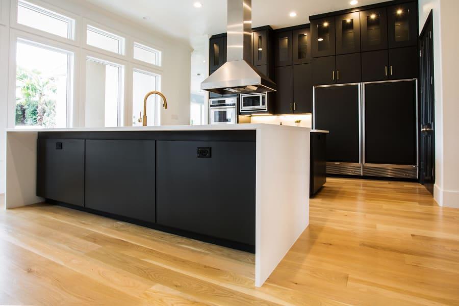 Modern Hardwood flooring ideas in Benbrook, TX from OaKline Floors