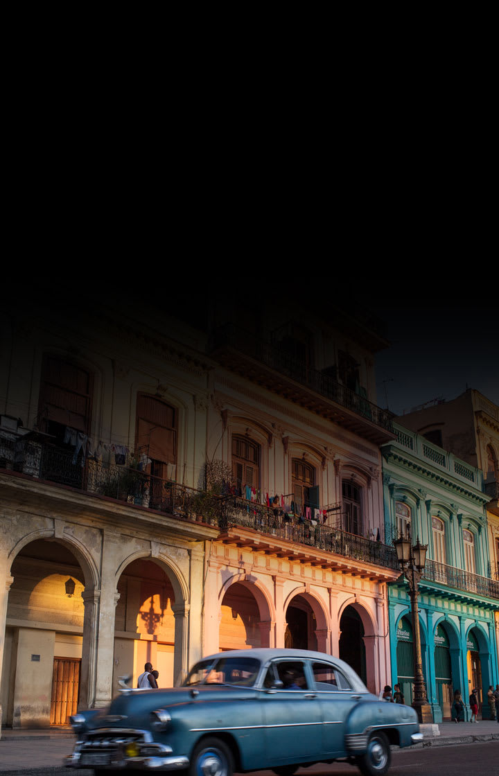 classic-car-driving-the-streets-of-havana