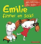 Emilie finner en saks