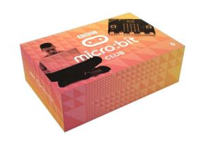 Micro:bit. Pakke med 10 micro:biter, 10 USB-kabler, 10 batteripakker og 20 AAA batterier