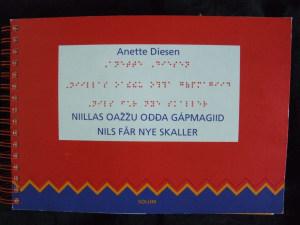 Niillas oazzu odda gapmagiid = Nils får nye skaller