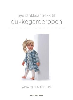Nye strikkeantrekk til dukkegarderoben