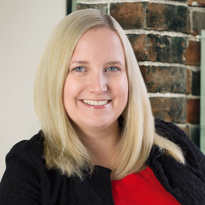 Lindsay Derbyshire headshot