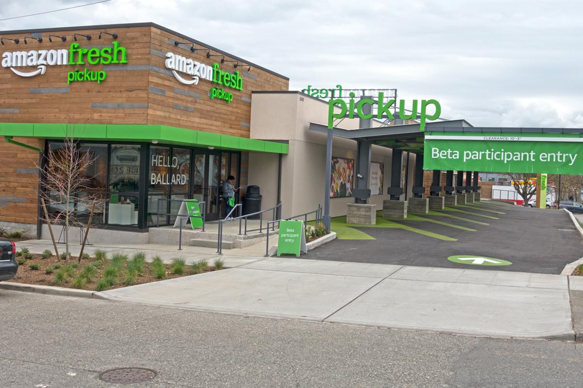 micro fulfillment center new opportunity for branding interior exterior store