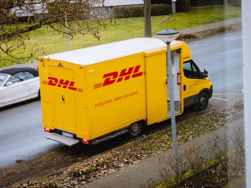 dhl us to canada